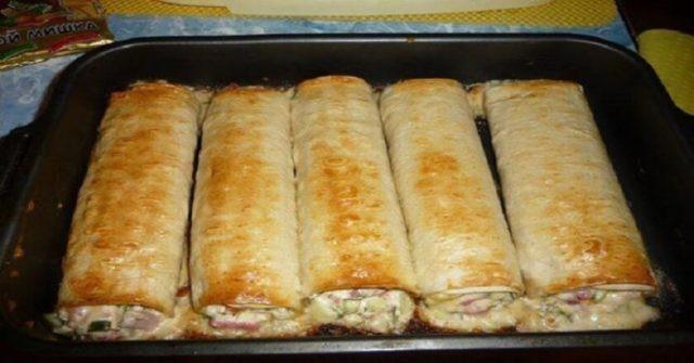 Pita chléb plněný skvělou nádivkou s kuřecím masem připravíte za 30 minut, recept