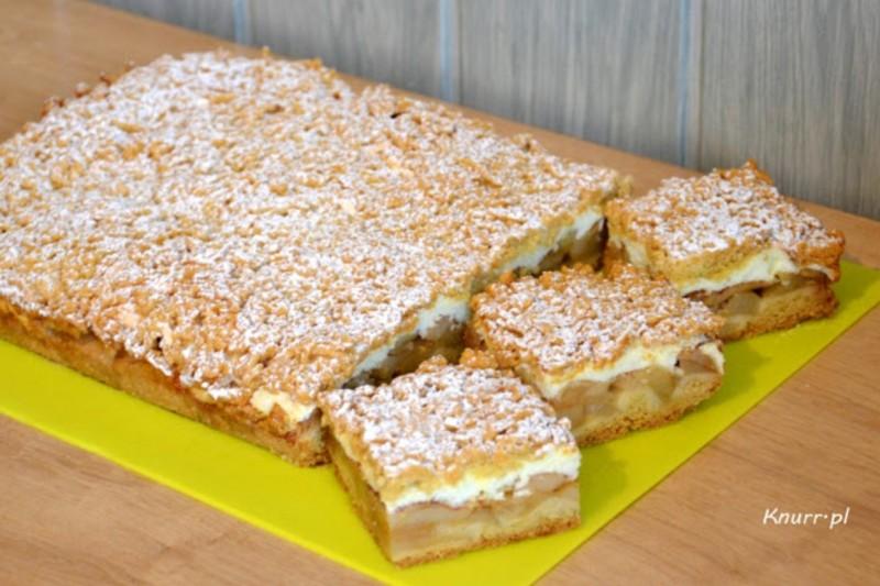 Jablečný koláč z jarmarku jemný jako pěna bez tvarohu ani smetany a přitom úžasně krémový recept