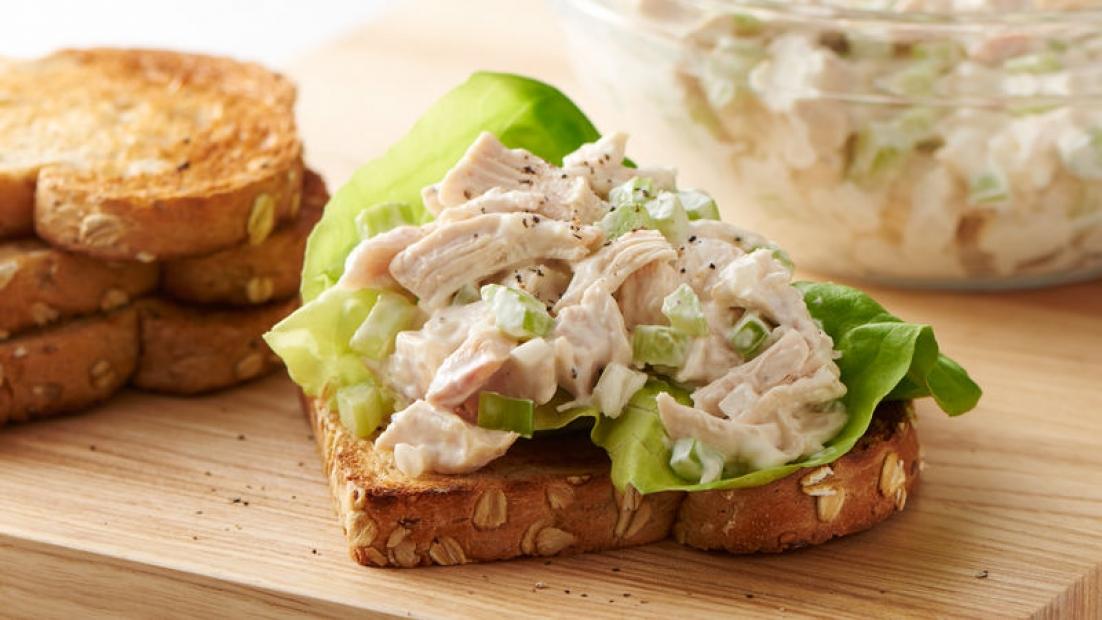 Zbylo vám kuře od oběda? Připravte z něj lahodnou pomazánku!