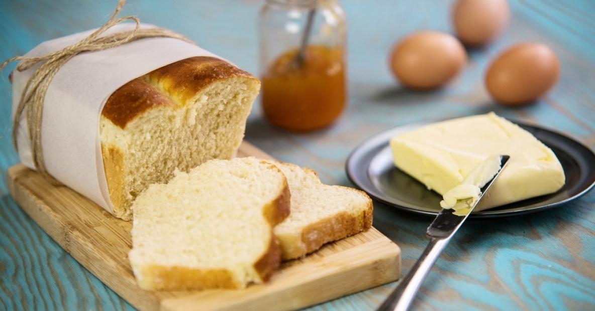 Upečte si domácí toustový chléb. V devíti krocích snadno a rychle