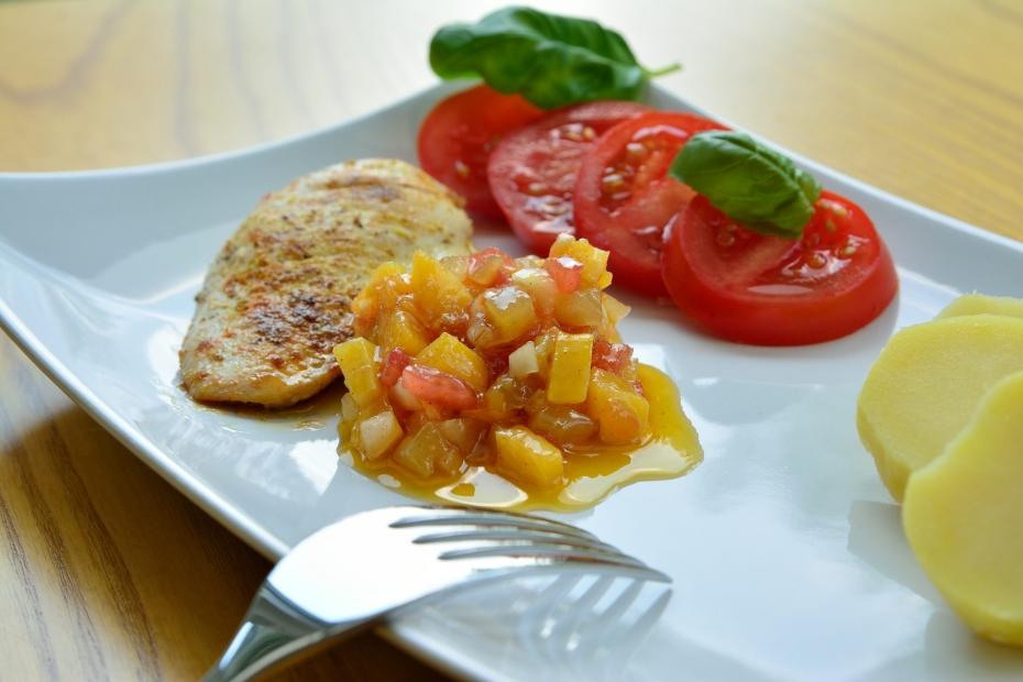 Jak připravit kuřecí steak? Do půl hodiny je kompletní oběd na stole