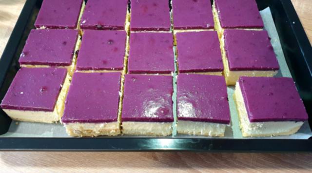 Tvarohový nepečený cheesecake s borůvkami: Nesmírně lahodný a rychlý dezert – kdo ochutnal, nemohl si jej vynachválit !