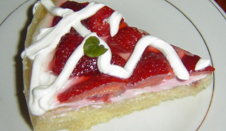 Jak upéct svěží jahodový dortík s tvarohem | recept