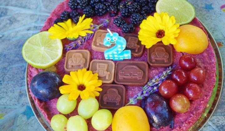 Jak připravit zdravý narozeninový dort | recept na malinový raw cake