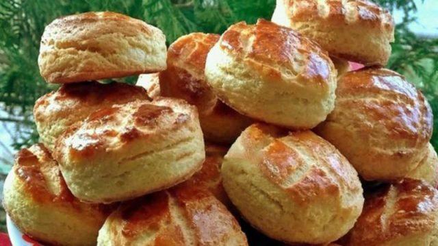 Prudce žravé pagáčky se sýrem a bramborami, které jdou u nás na dračku: Lehké jako pírko a zůstanou měkkoučké i třetí den !