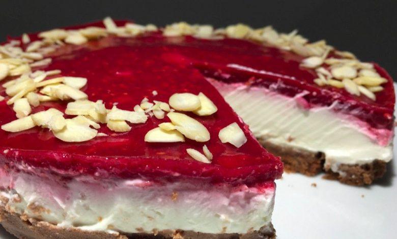 Bez cukru, bez mouky a hlavně za 10 minut připraven cheesecake s malinami