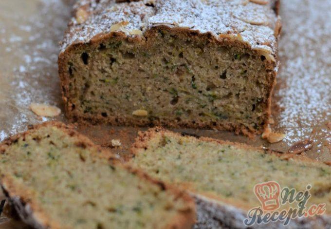 Mandlově-cuketový chlebíček