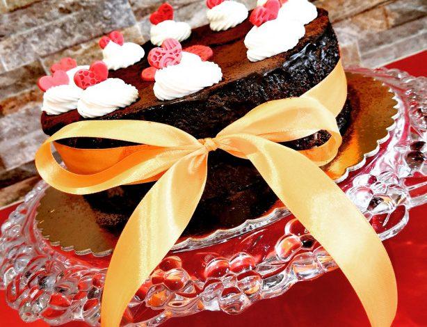 Jablečný dort na způsob luxusního Sacher dortu
