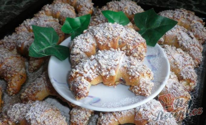 Slávinky – krásne rohlíčky s mandličky