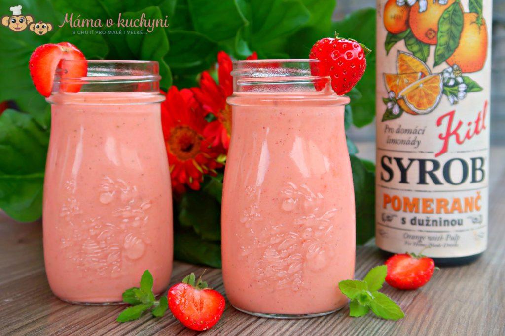 Jahodovo-mrkvové smoothie s pomerančem (od 1 roku)