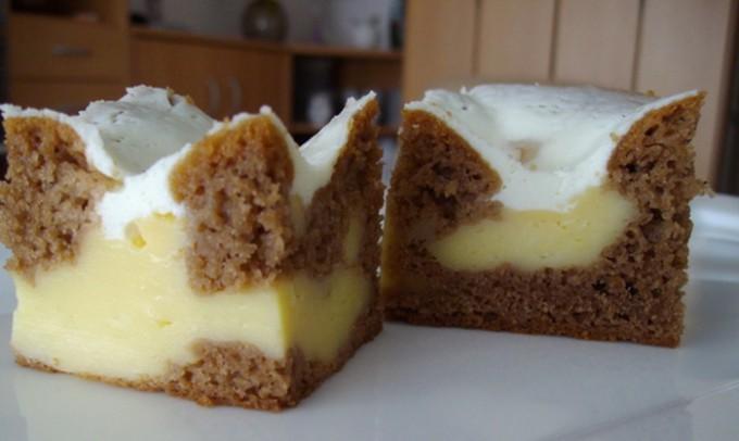 Famózní koláč KRÁTER se zakysanou smetanou