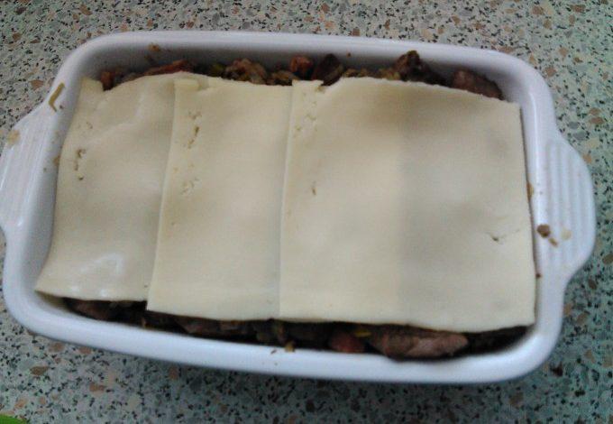 Zapečené těstoviny s pórkem a játry