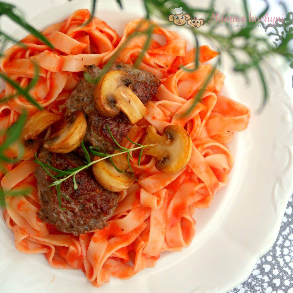Těstoviny s omáčkou z pečených paprik (od 1 roku)