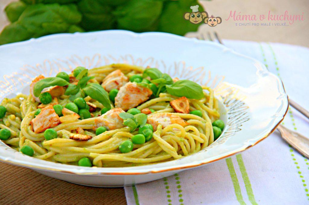 Špagety s hráškovou omáčkou a krůtím masem (od 6 měsíců)
