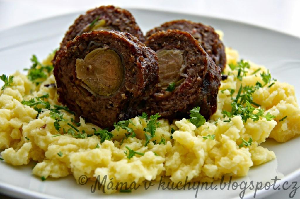 Roláda z mletého masa plněná růžičkovou kapustou (od 1 roku)