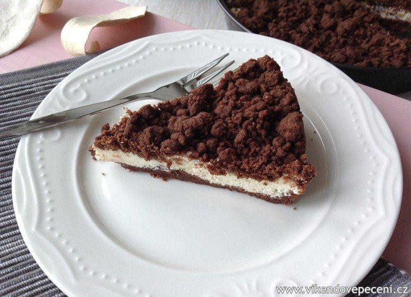 Křehký kakaový koláč s tvarohem