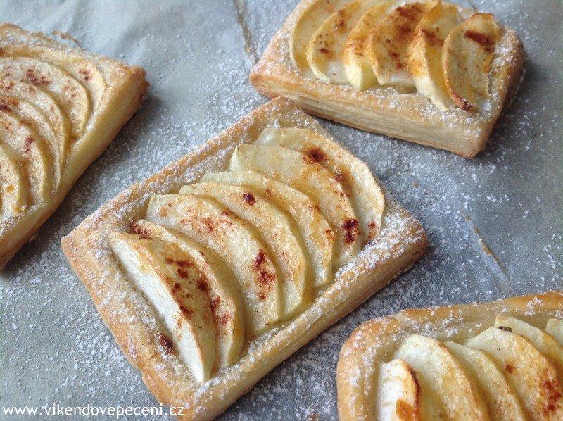 Jablečné taštičky z listového těsta