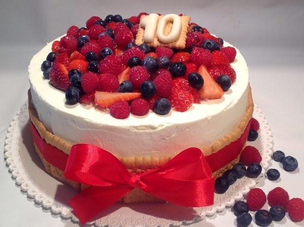 Ovocný narozeninový dort