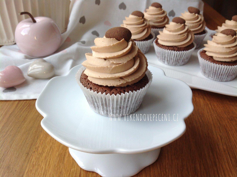 Brownie cupcakes s karamelovým krémem