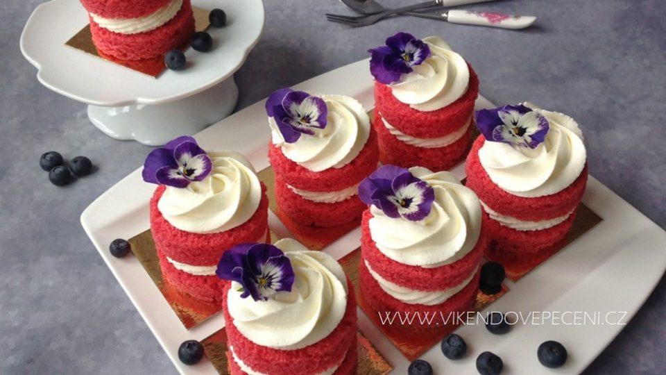 Sametové dortíky