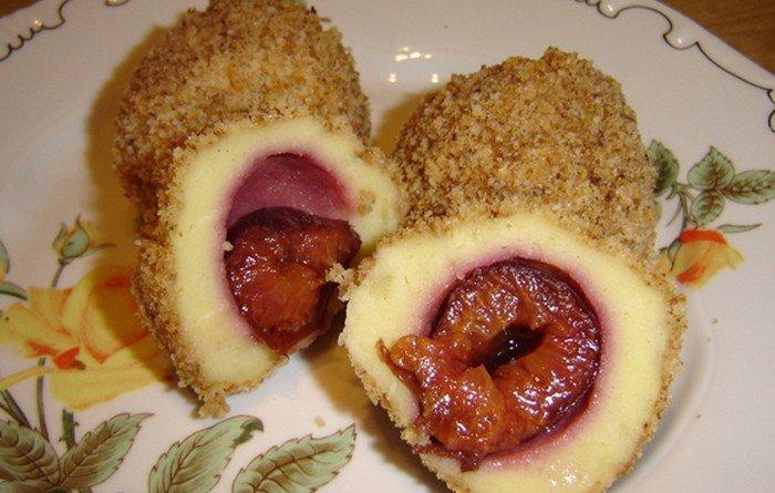 Švestkové knedlíčky z bramborového těst