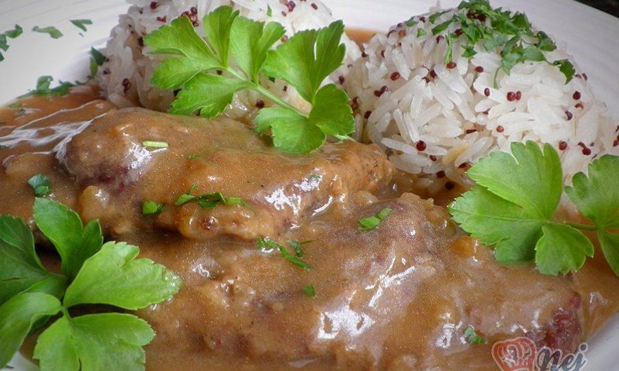 Hovězí roštěná a jasmínová rýže s červenou quinoou