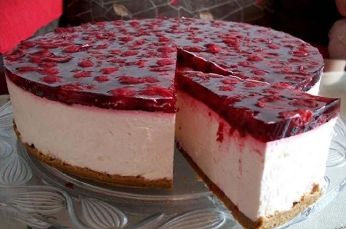 Vynikající nepečený třešňový cheesecake