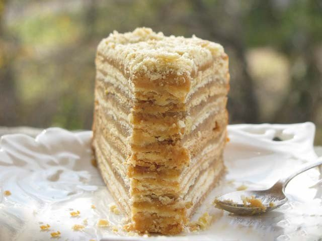 Karamelový dort – 1000 vrstev